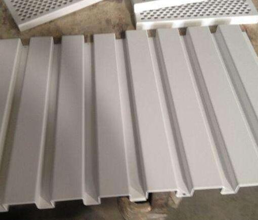 聚酯长城铝单板